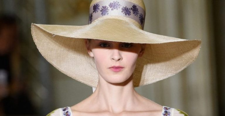 what-are-the-spring-summer-2020-hat-trends3